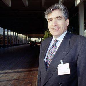 Petre Roman, Premier Romania