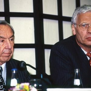 W.Christopher, Hans vd Broek (Ministerd Foreign Affair NL)